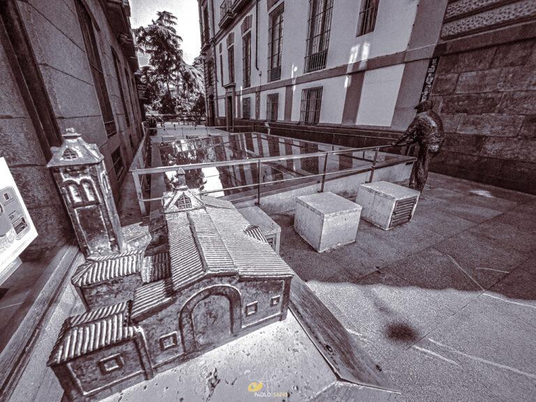 Restos de La antigua Iglesia de la Almudena